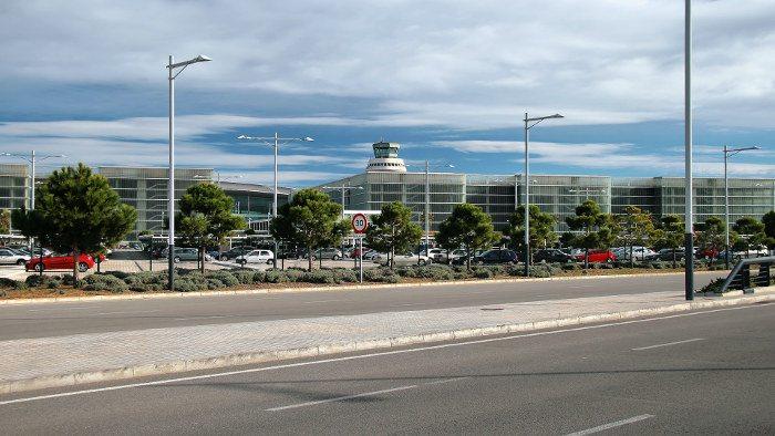 Как добраться из аэропорта Барселоны до вокзала