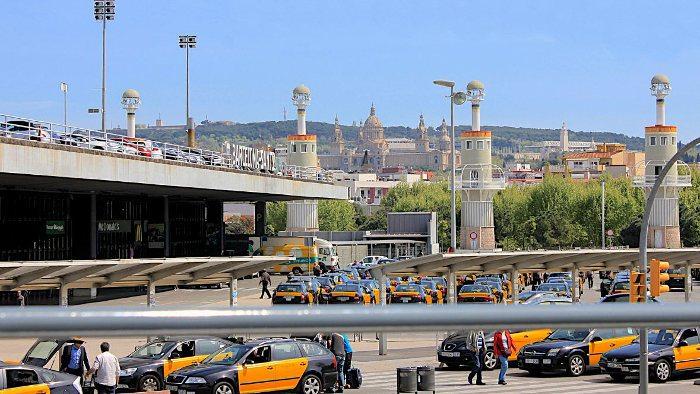 Такси рядом с вокзалом
