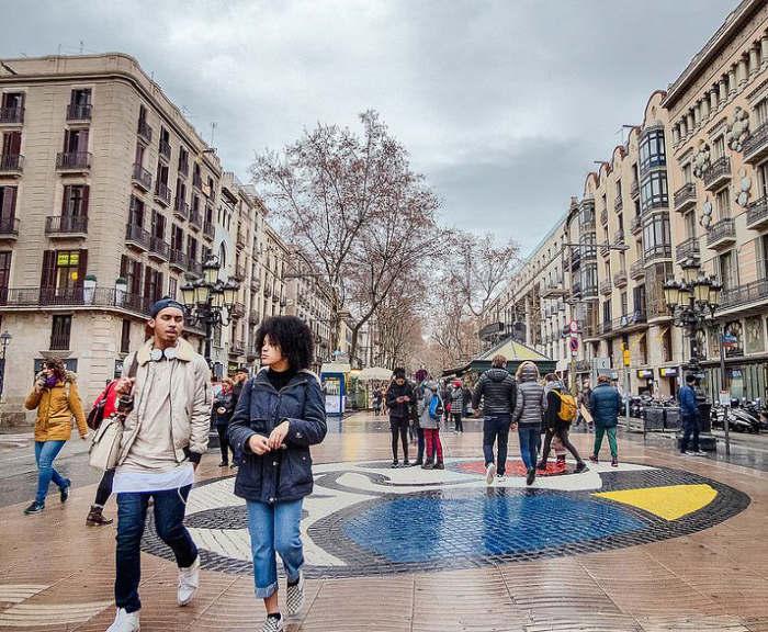 Что носят в Барселоне зимой