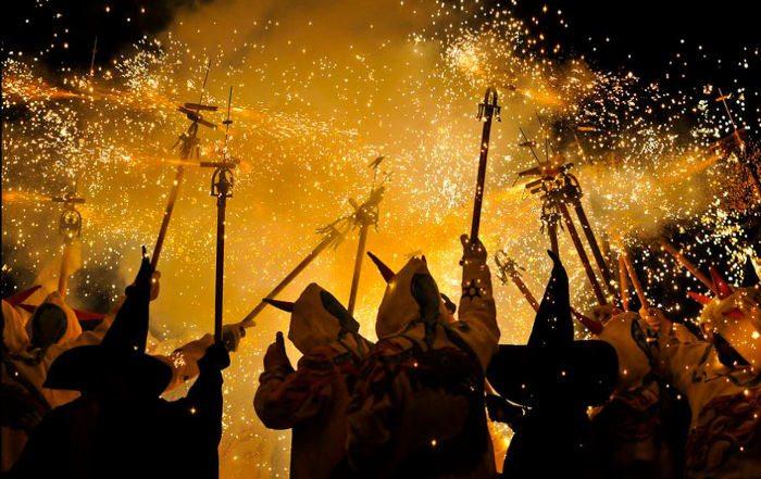 Зимний фестиваль в Салоу, торжественная процессия Косо-Бланко