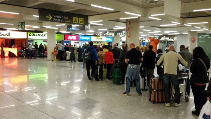 Очередь в аэропорту Барселоны