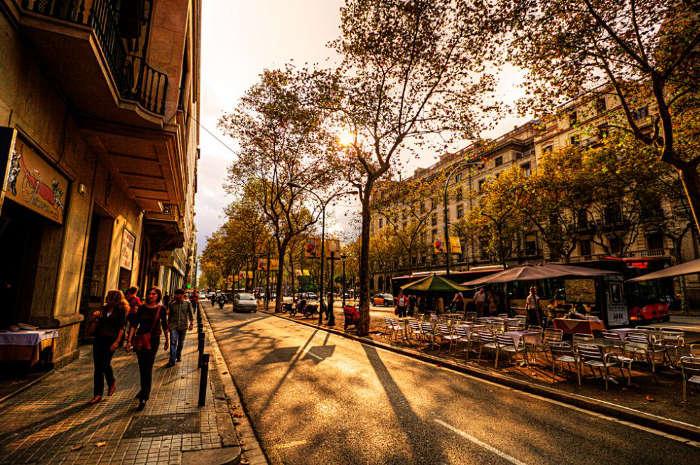 Наиболее длинная улица в Барселоне