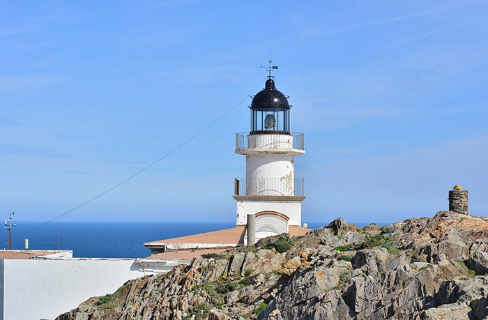 Старинный маяк