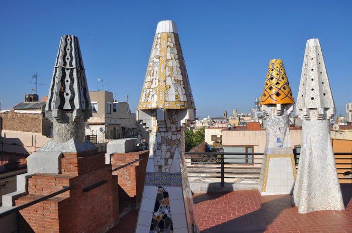 Дворец Гуэля на Ла Рамбле в Барселоне