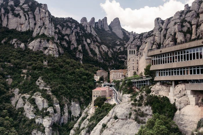 Гора Монтсеррат и бенедиктинский монастырь