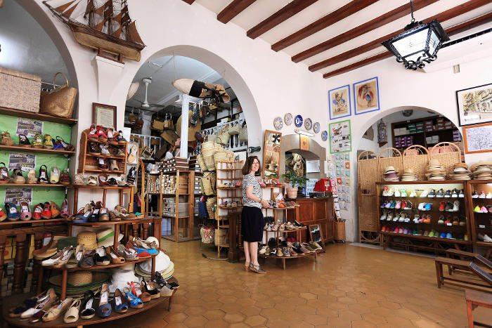 Обувь в Барселоне: эспадрильи в La Manual Alpargatera