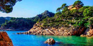 Пляжи рядом с Барселоной: полный обзор