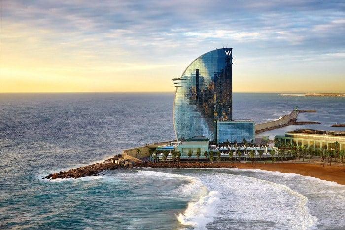 Барселона с высоты: Отель «W Barcelona»