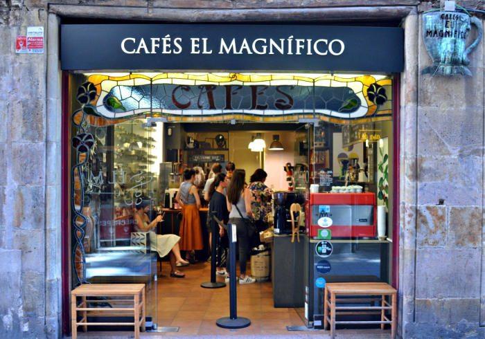 Чем заняться в Барселоне девушке: отправиться за кофе в El Magnifico
