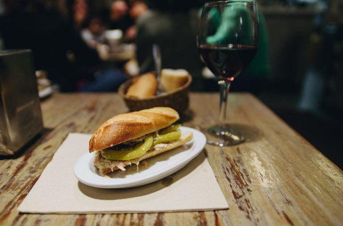 Ресторан в Барселоне: Бокадильос