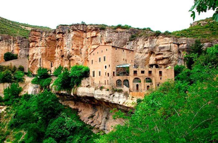 Монастырь Сан Мигель дель Фай