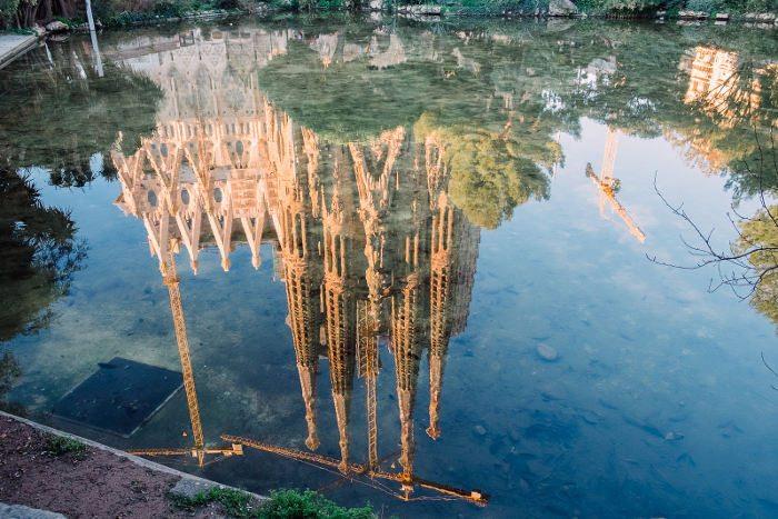Собор Гауди в Барселоне: единение с природой