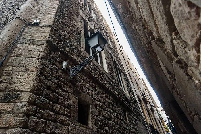 Дом с привидениями в Барселоне