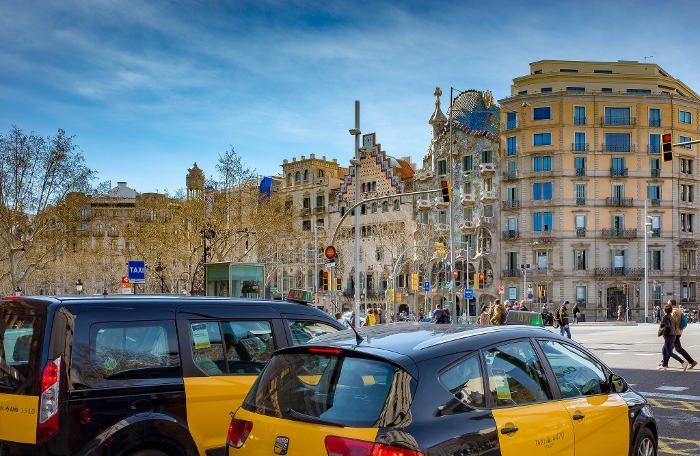 Самая красивая улица Эшампле