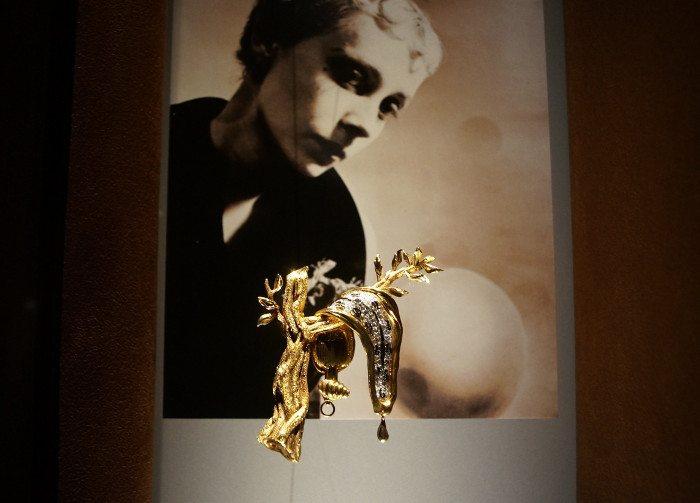 Экспонат из коллекции ювелирных украшений Дали