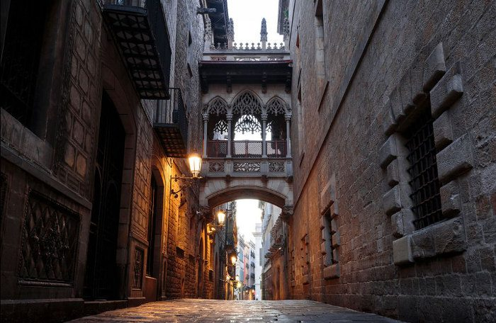 Улица Бисбэ в Барселоне