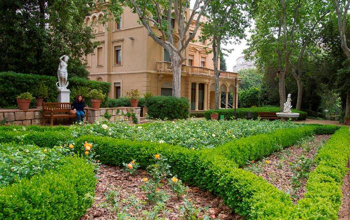 Нетуристическое место в Барселоне для продуктивных размышлений – сады Тамарита