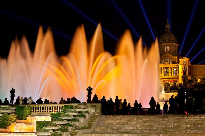 Ночная экскурсия по Барселоне: Шоу Поющих Фонтанов