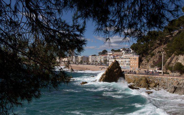 Пляжный отдых рядом с Барселоной в одном из туристических центров Каталонии – Льорет-де-Мар