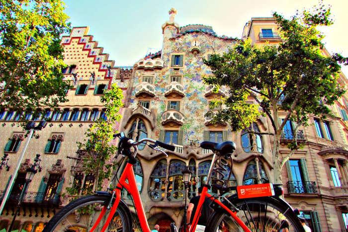 К Дому Бальо на велосипеде