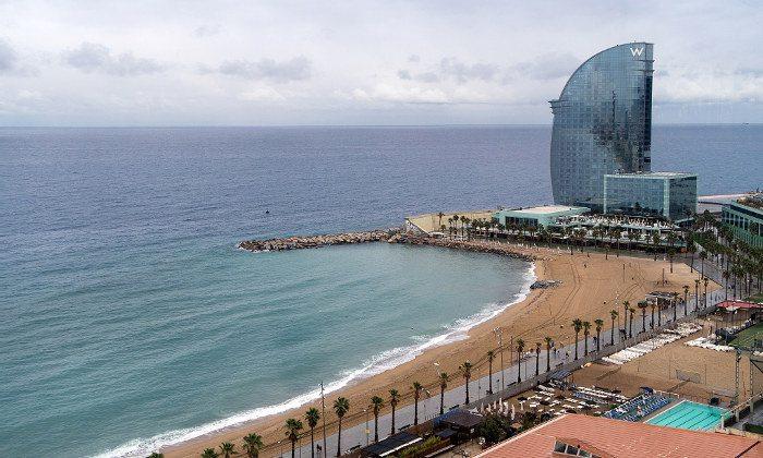Русские туристы выбирают пляжи Барселоны