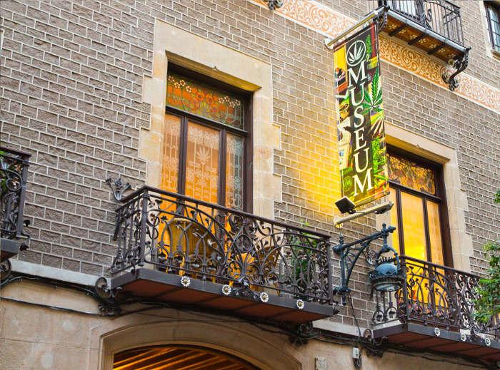 Необычные музеи Барселоны: Музей марихуанны