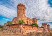 Заброшенные дома Барселоны: тайны и легенды