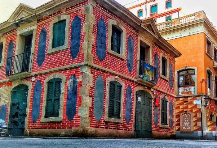 Заброшенное здание культуры – Casa de la Barceloneta