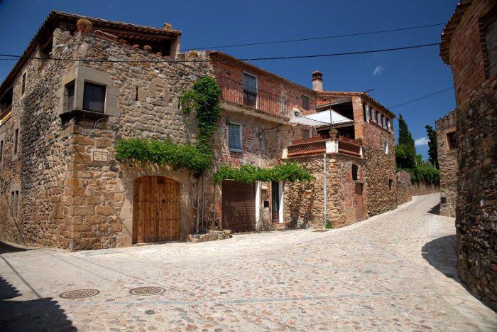 Посещение средневековой деревни Пуболь
