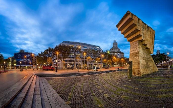 Достопримечательности Барселоны за один день: площадь Каталонии
