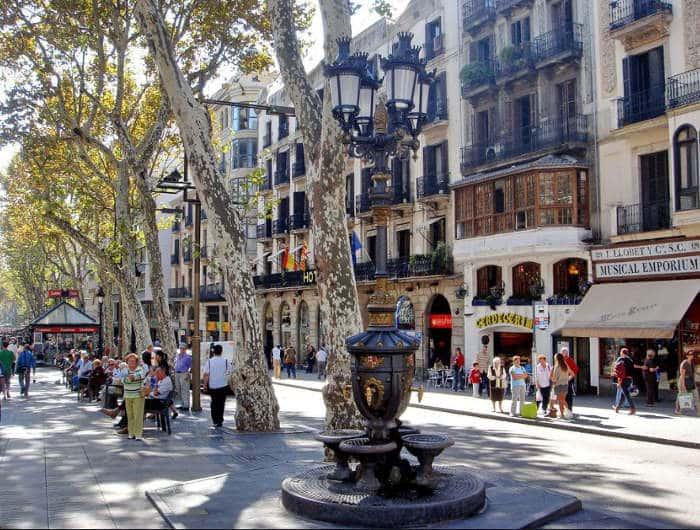 Фонтаны в Барселоне: магия Каналетеса