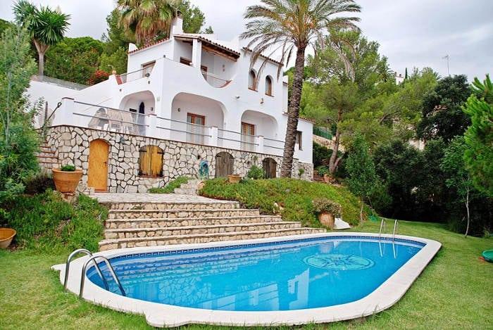 Платит ли налоги в Испании нерезидент, который не сдает недвижимость