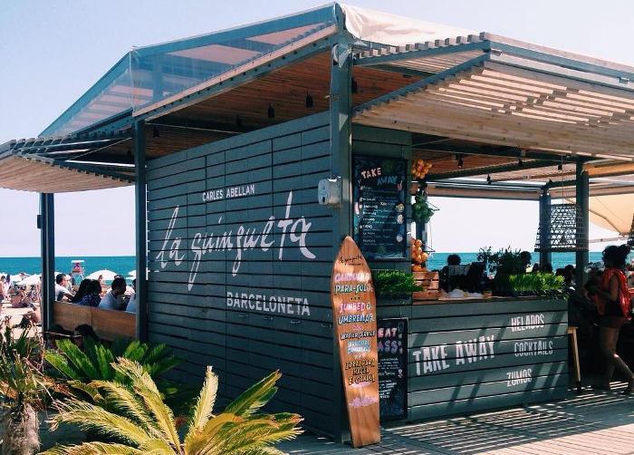 Barceloneta: кафе на пляже