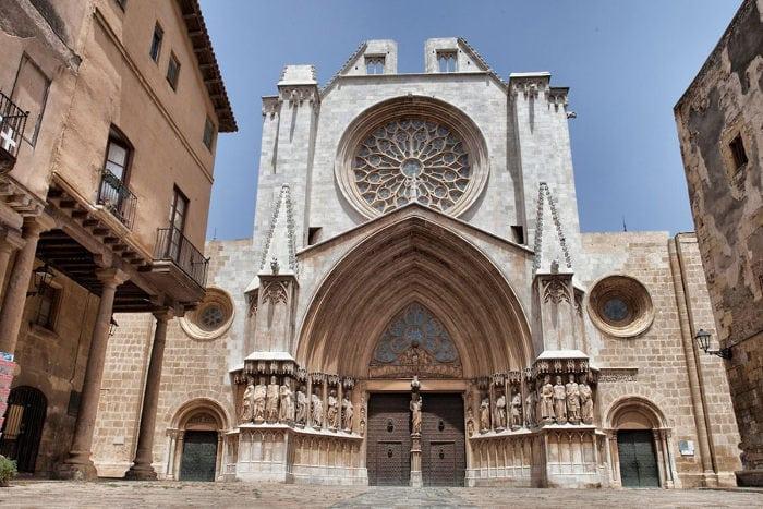 Характеристика фасадов Кафедрального собора Таррагоны