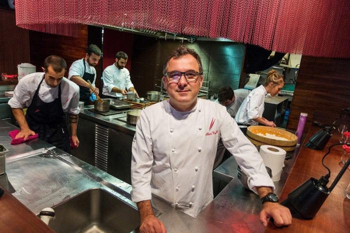 Шеф повар в ресторане Мишлен