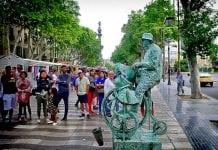 Центр Барселоны: бульвар La Rambla