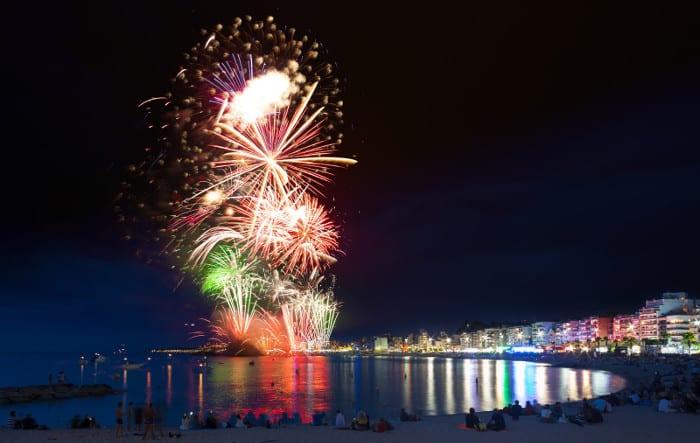 Бланес: фестиваль фейерверков