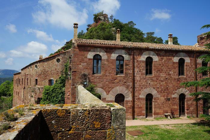 Таррагона Испания: полный сюрпризов замок Эскорнальбоу