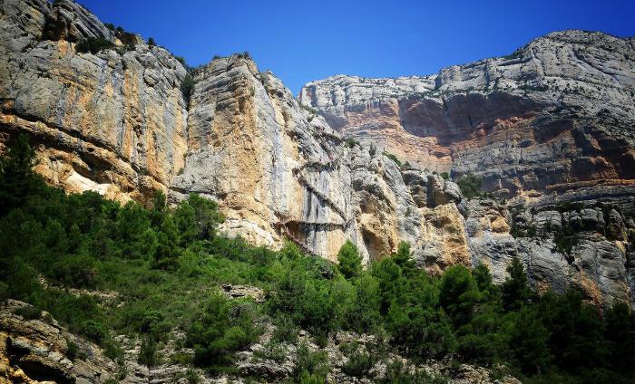 Ущелье Mont Rebei как объект для регулирования потока путешественников