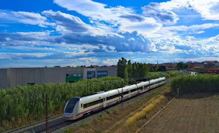 В Figueres на поезде