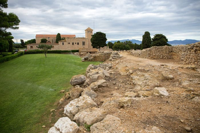 Замок Эмпуриас