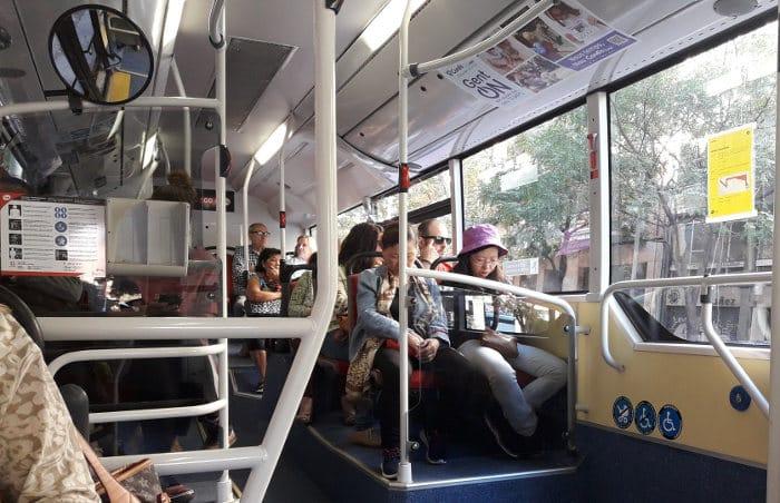 Как добраться до центра Барселоны дешево: рейсовый автобус