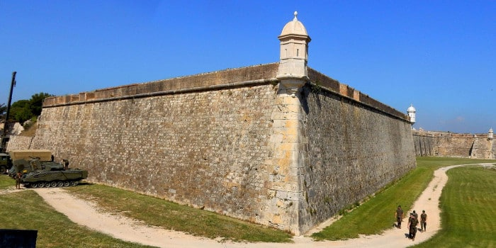 Замок San Fernando