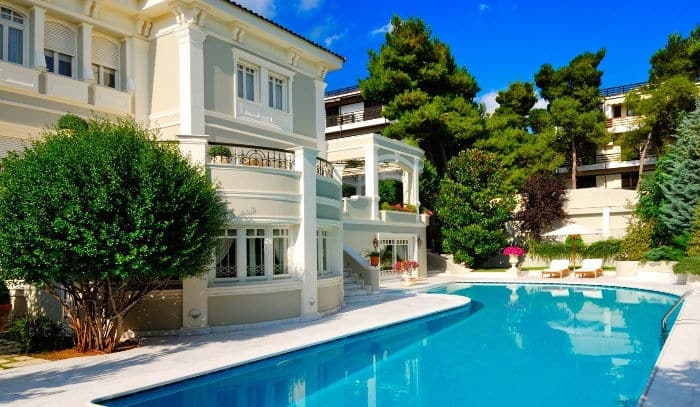 Индивидуальная недвижимость в Барселоне