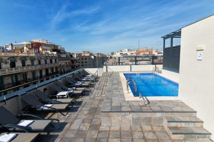 Отель Sunotel Club Central с бассейном
