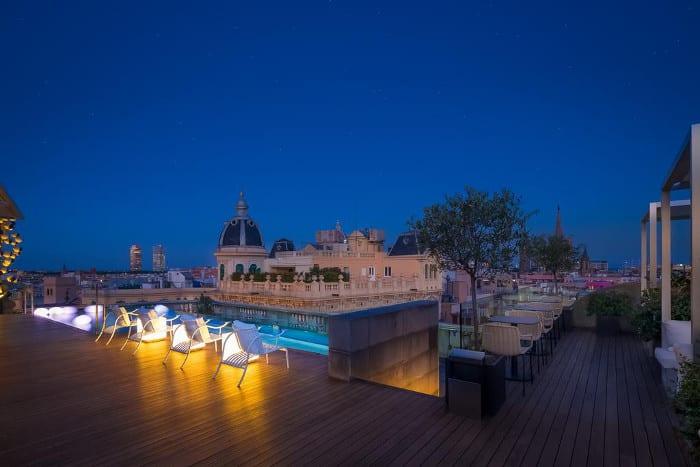 Ohla Barcelona: пятизвездочный отель с бассейном