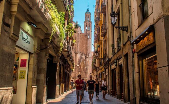 Погода в Барселоне в июле: гулять лучше во второй половине дня