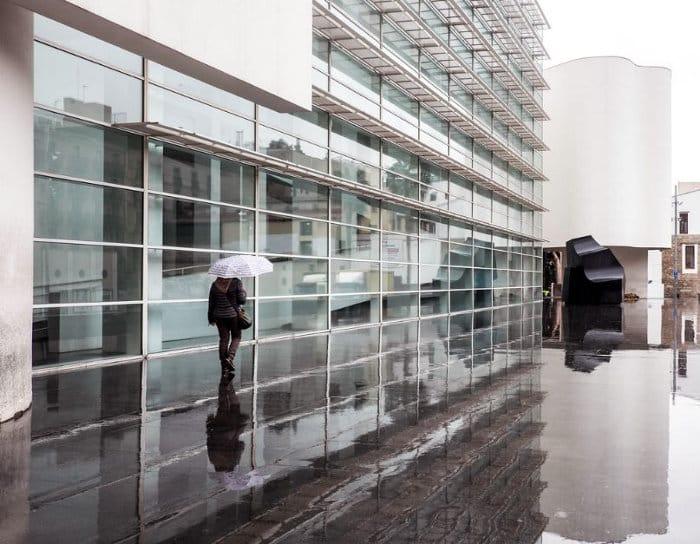 Погода в Барселоне в октябре: иногда бывают дожди
