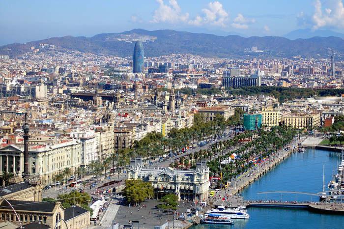 Барселона: вид сверху на порт