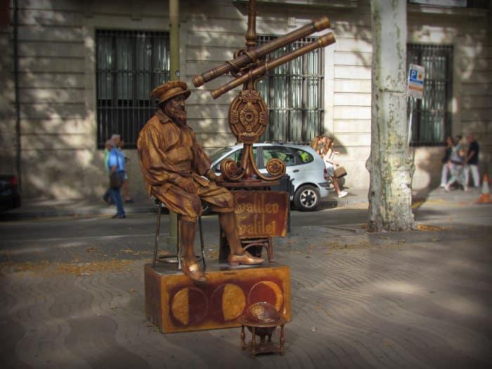 Что собой представляет главная улица Барселоны сейчас